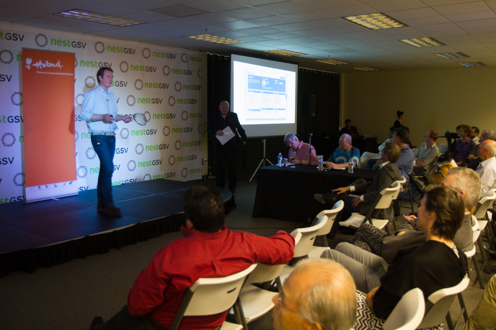 Klaas pitching ZEEF at NestGSV